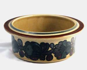 Arabia, finland bowl from the otso series by ulla procope