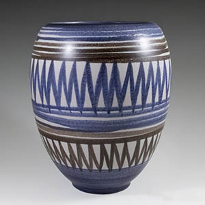 Stoneware vase from Michael Andersen & Son. Produced between 1930-1950.
