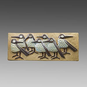 Michael Andersen relief with 7 birds created by Marianne Starck. 6237
