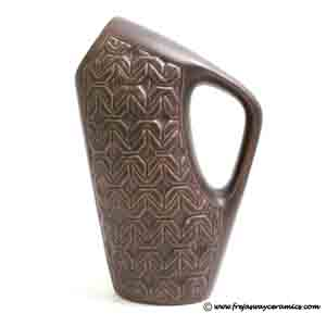 michael andersen angular jug with a handle number 5681