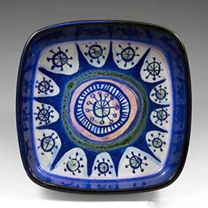 Royal Copenhagen Tenera ashtray with 1950s Atomic influence, designed by Marianne Johnson. 221 over 2882