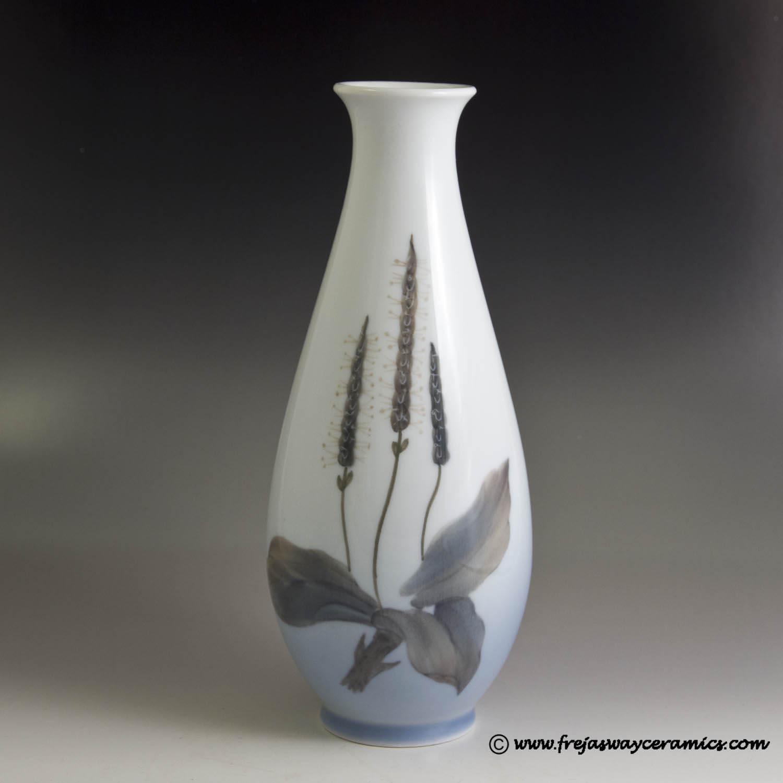 Royal copenhagen art nouveau royal copenhagen art nouveau style vase with plantain flower item number 2916 over 4055 reviewsmspy